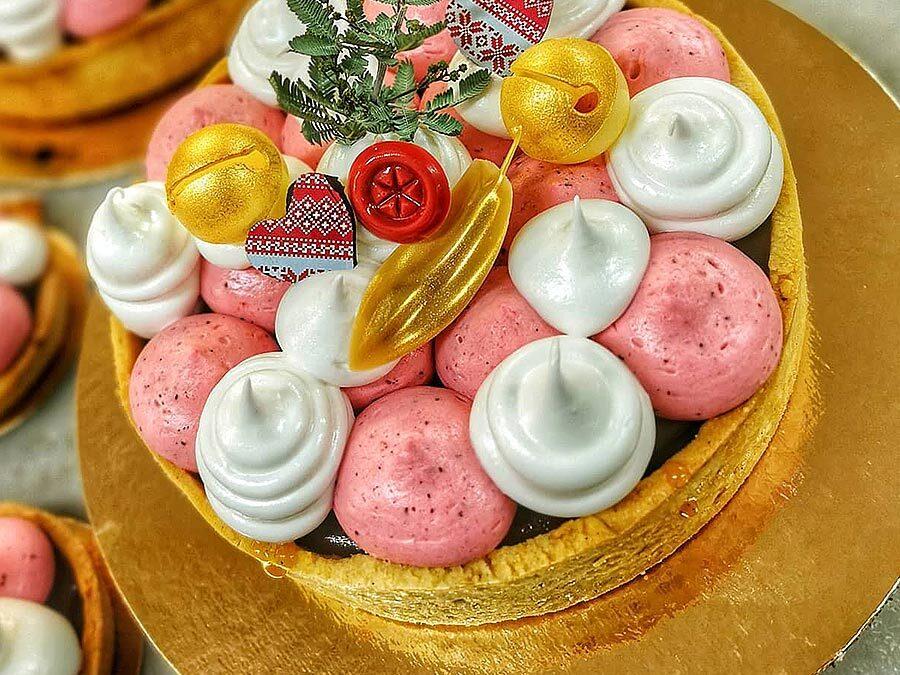 Julen 2020 börjar med en tårta